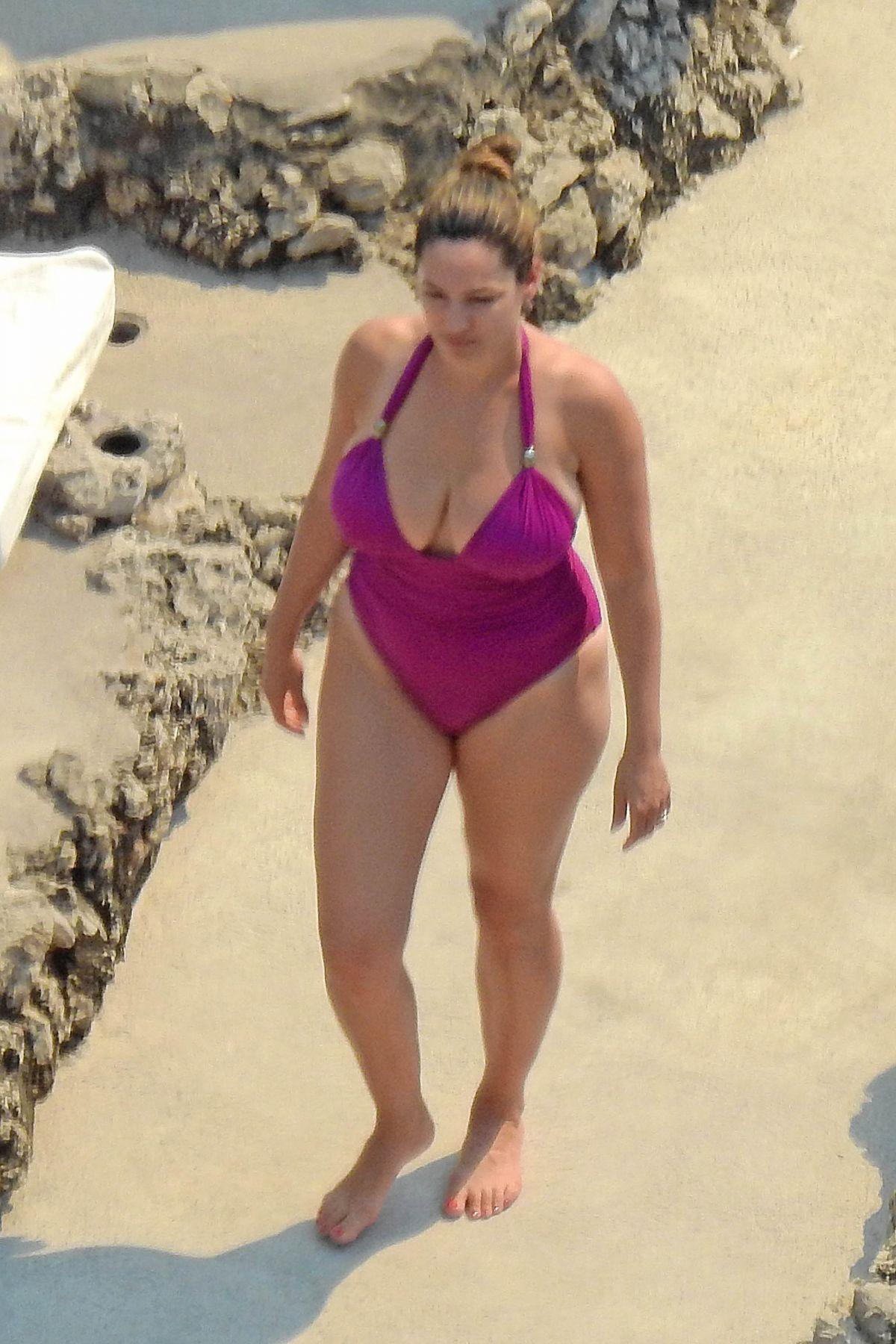 7ce9a00895 KELLY BROOK in Swimsuit in Capri 07 20 2016