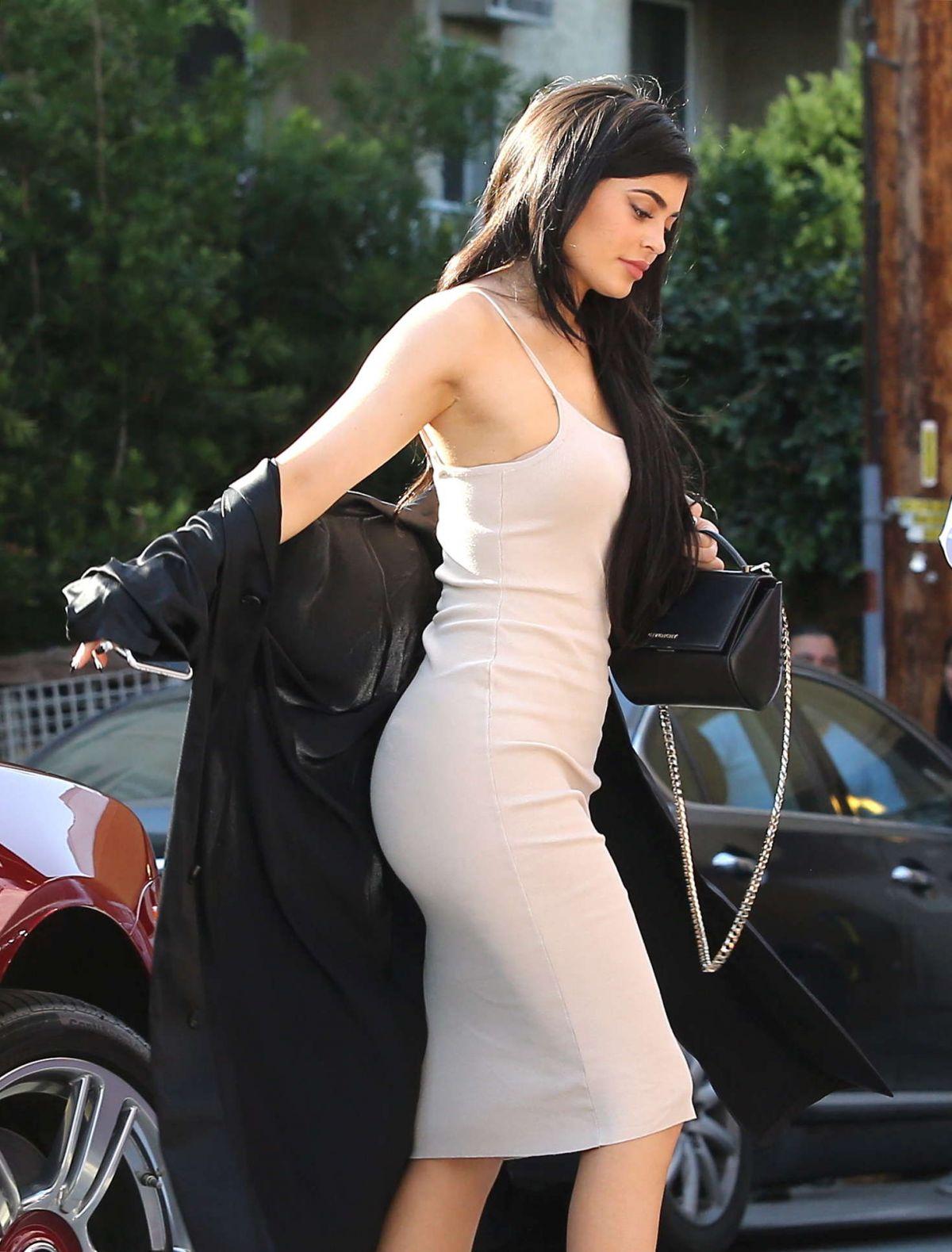 KYLIE JENNER Arrives at Nobu Restaurant in West Hollywood
