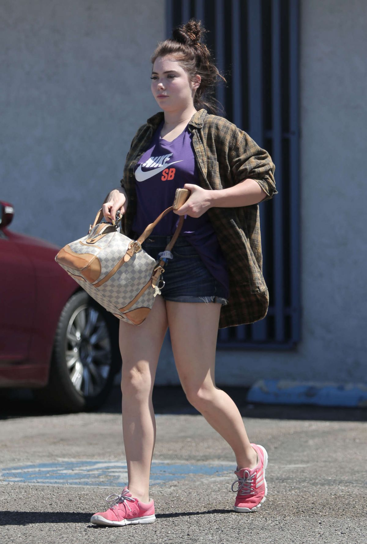 Mckayla Maroney Leaves Acupuncture Clinic In Los Angeles