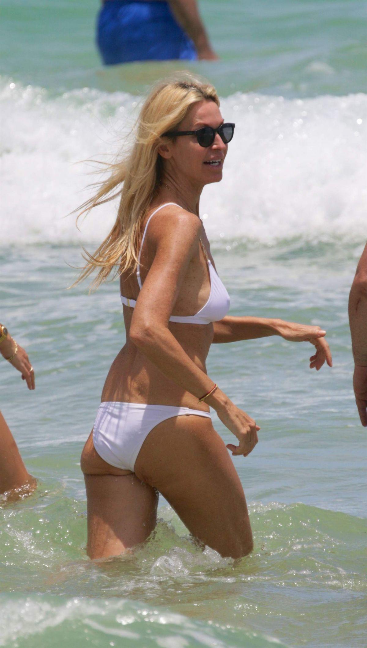 MELISSA ODABASH in Bikini at aBeach in Miami 07/15/201