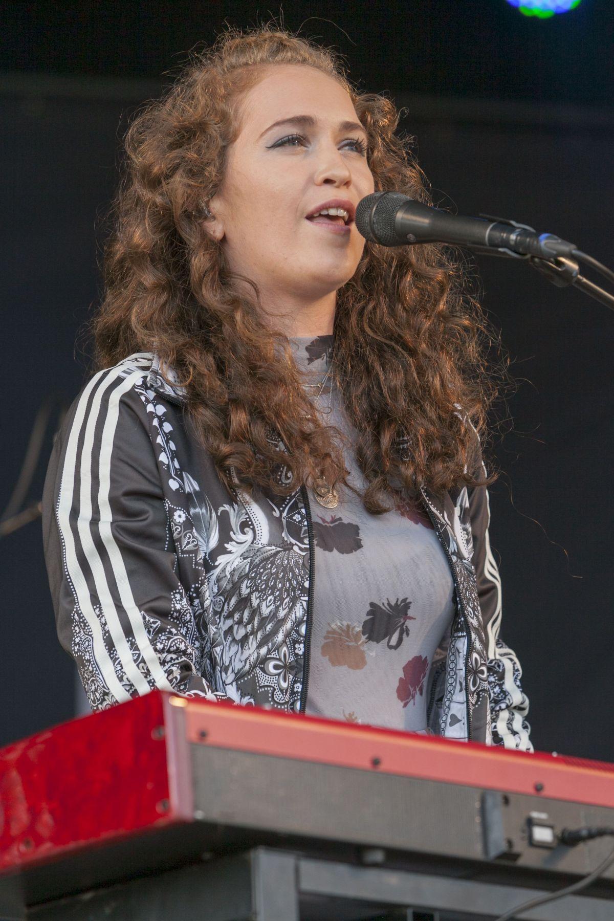 RAE MORRIS Performs at British Summertime Festival at Hyde Park in London 07/02/2016