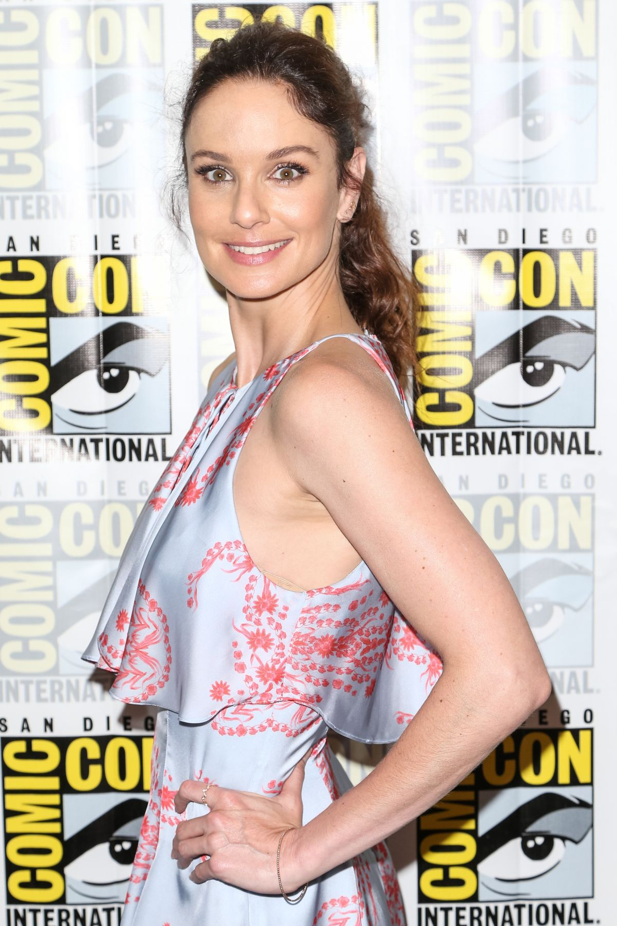 SARAH WAYNE CALLIES at Colony Press Line at Comic-con in San Diego 07/21/2016