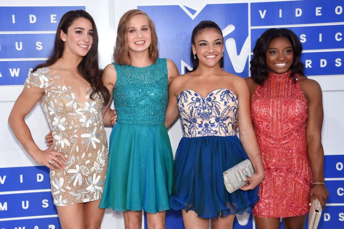 ALY RAISMAN, MADISON KOCIAN, LAURIE HERNANDEZ and SIMONE BILES at 2016 MTV Video Music Awards in New York 08/28/2016