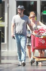 AMY ADAMS Shopping at Target in Los Angeles 08/12/2016