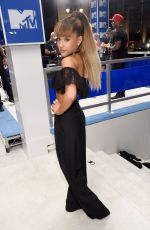 ARIANA GRANDE at 2016 MTV Video Music Awards in New York 08/28/2016
