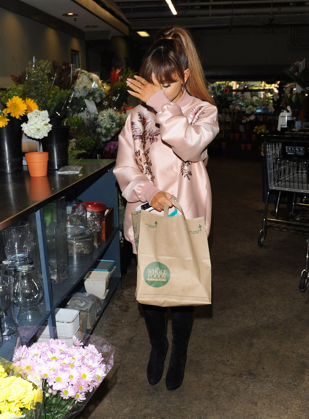 Boca Raton Shopping >> ARIANA GRANDE Shopping at Whole Foods in Beverly Hills 08/02/2016 – HawtCelebs