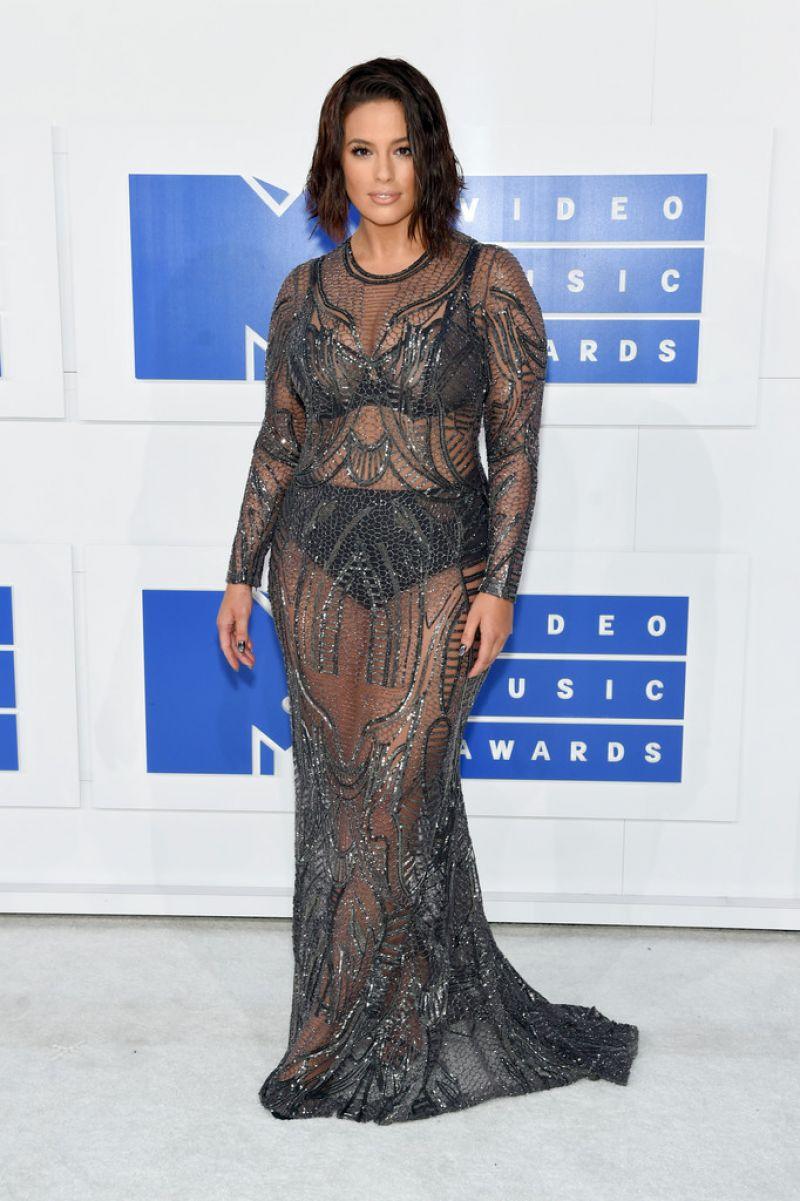 ASHLEY GRAHAM at 2016 MTV Video Music Awards in New York 08/28/2016