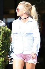 BRITNEY SPEARS Out and About in West Hills 07/31/2016