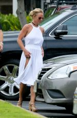 BRITNEY SPEARS Out Shopping in Hawaii 08/07/2016