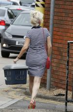 DEBBIE MCGEE Leaves a Veterinary Clinic in London 07/21/2016
