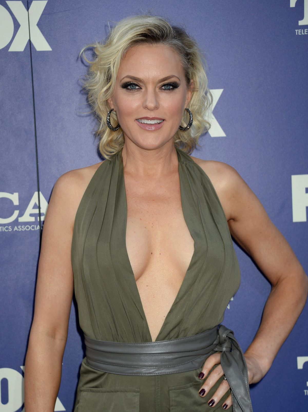 Elaine Hendrix - To the Rescue! Gala in Hollywood 4/22