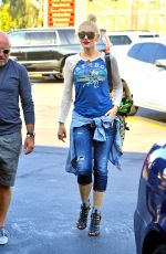 GWEN STEFANI Out and About in Beverly Hills 08/28/2016