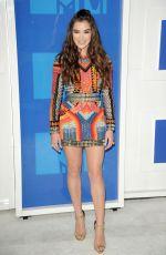 HAILEE STEINFELD at 2016 MTV Video Music Awards in New York 08/28/2016