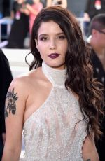 HALSEY at 2016 MTV Video Music Awards in New York 08/28/2016