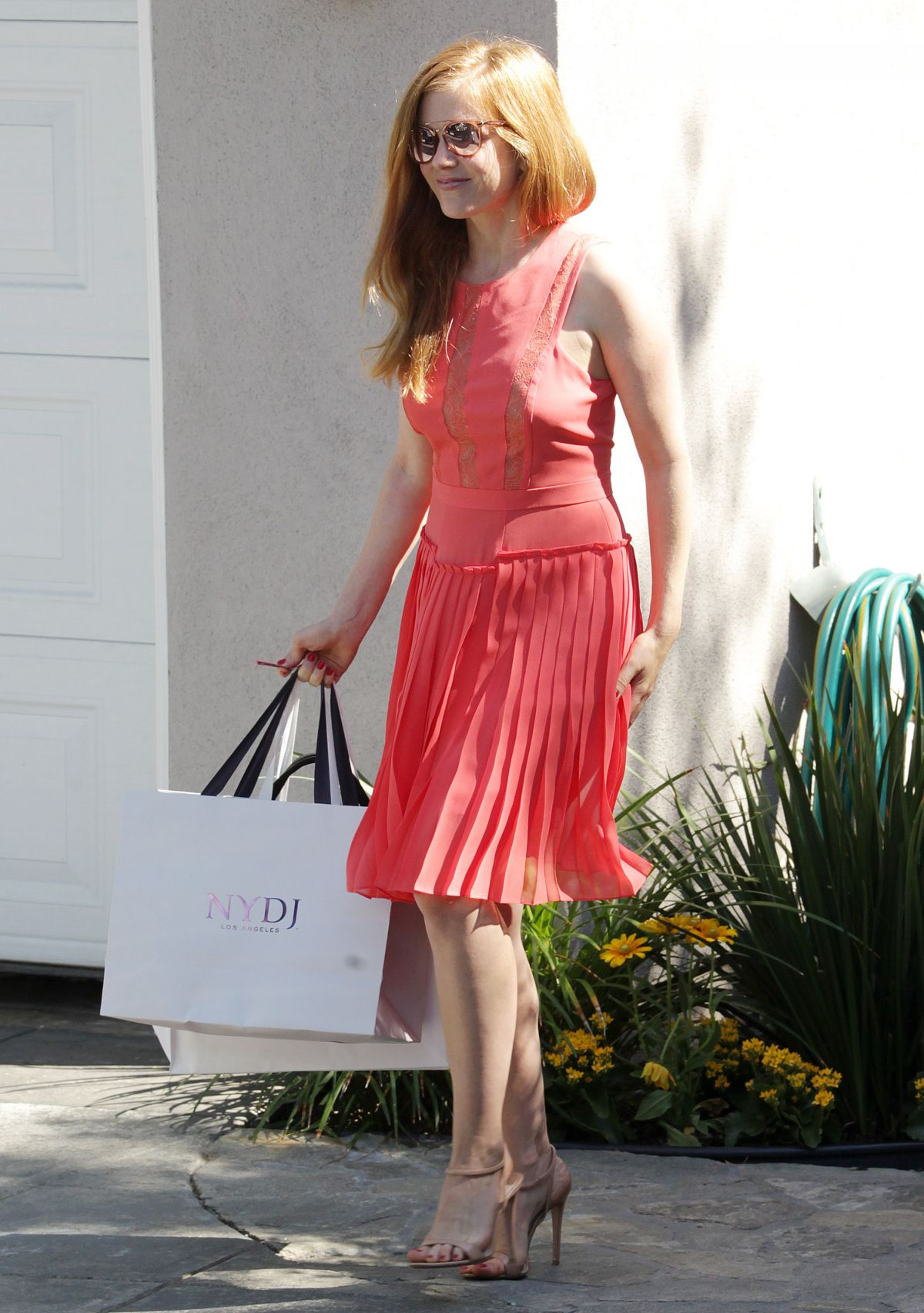 ISLA FISHER at Instyle Gifting Suite in Brentwood 08/14/2016