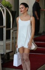 JENNA DEWAN Out and About in Beverly Hills 08/23/2016