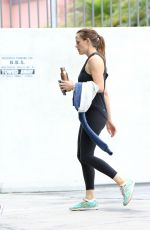 JENNIFER GARNER Leaves a Gym in Los Angeles 08/27/2016