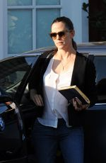 JENNIFER GARNER Out and About in Brentwood 08/29/2016