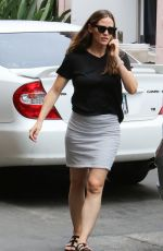 JENNIFER GARNER Out and About in Los Angeles 08/07/2016