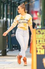 JENNIFER LOPEZ Out and About in New York 08/27/2016