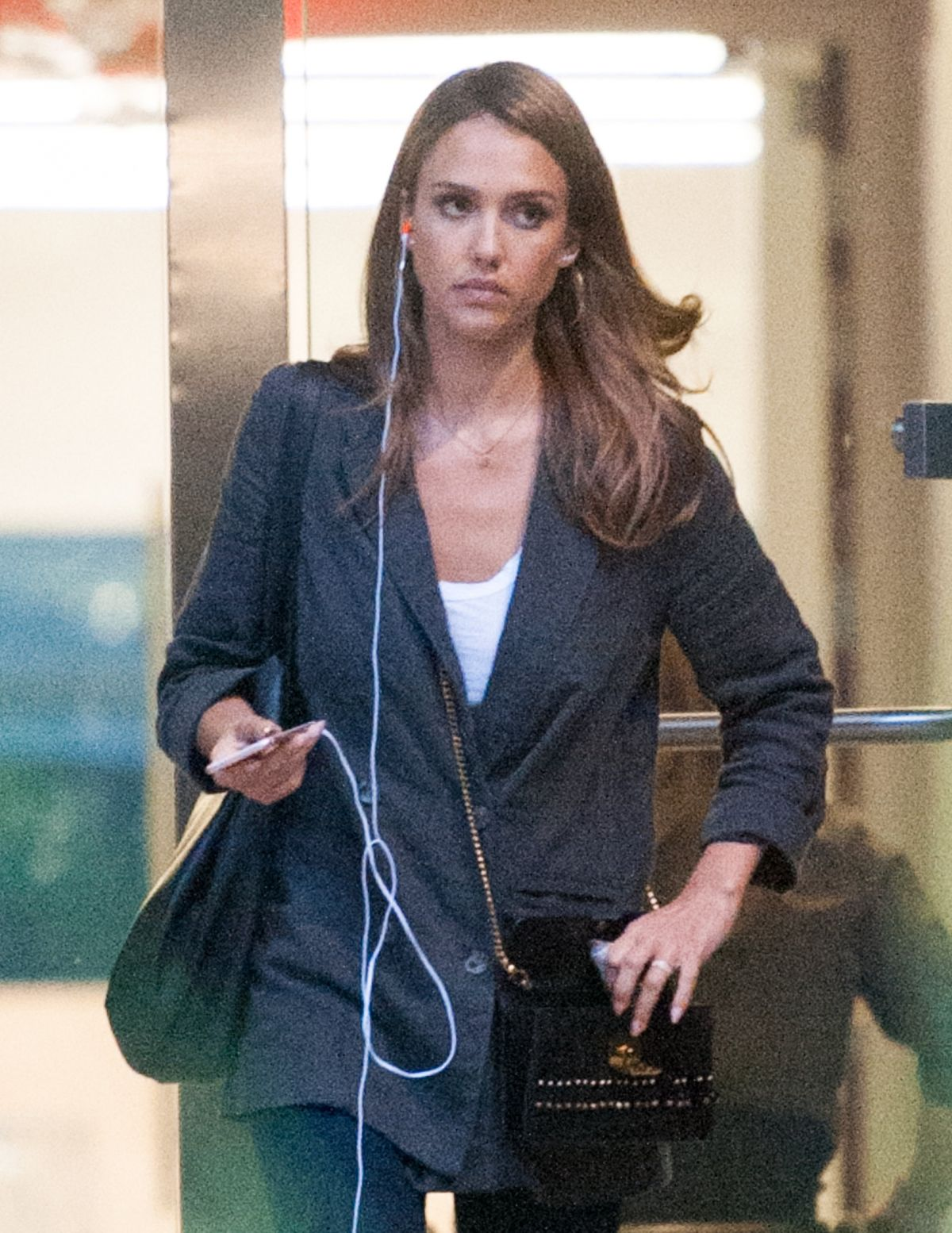JESSICA ALBA Leaves a Meeting in Los Angeles 08/08/2016