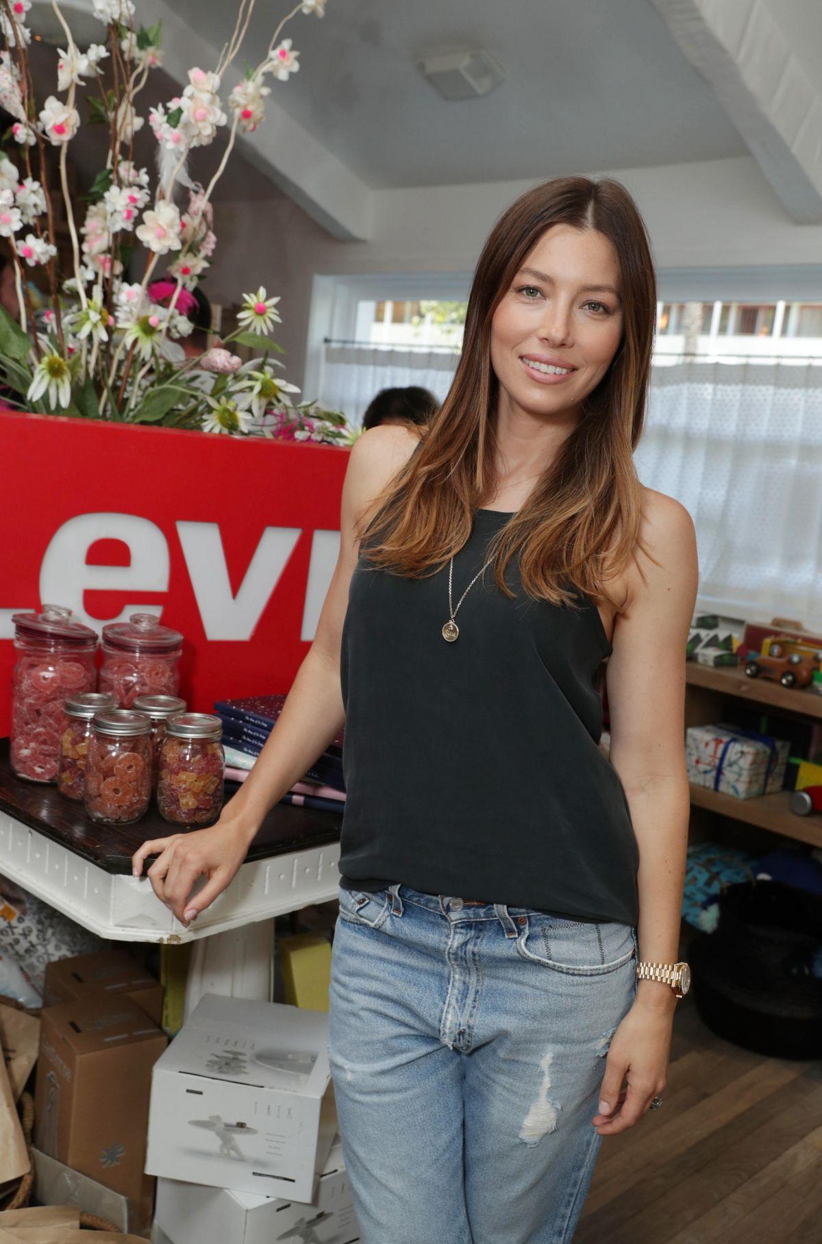 JESSICA BIEL at Levi
