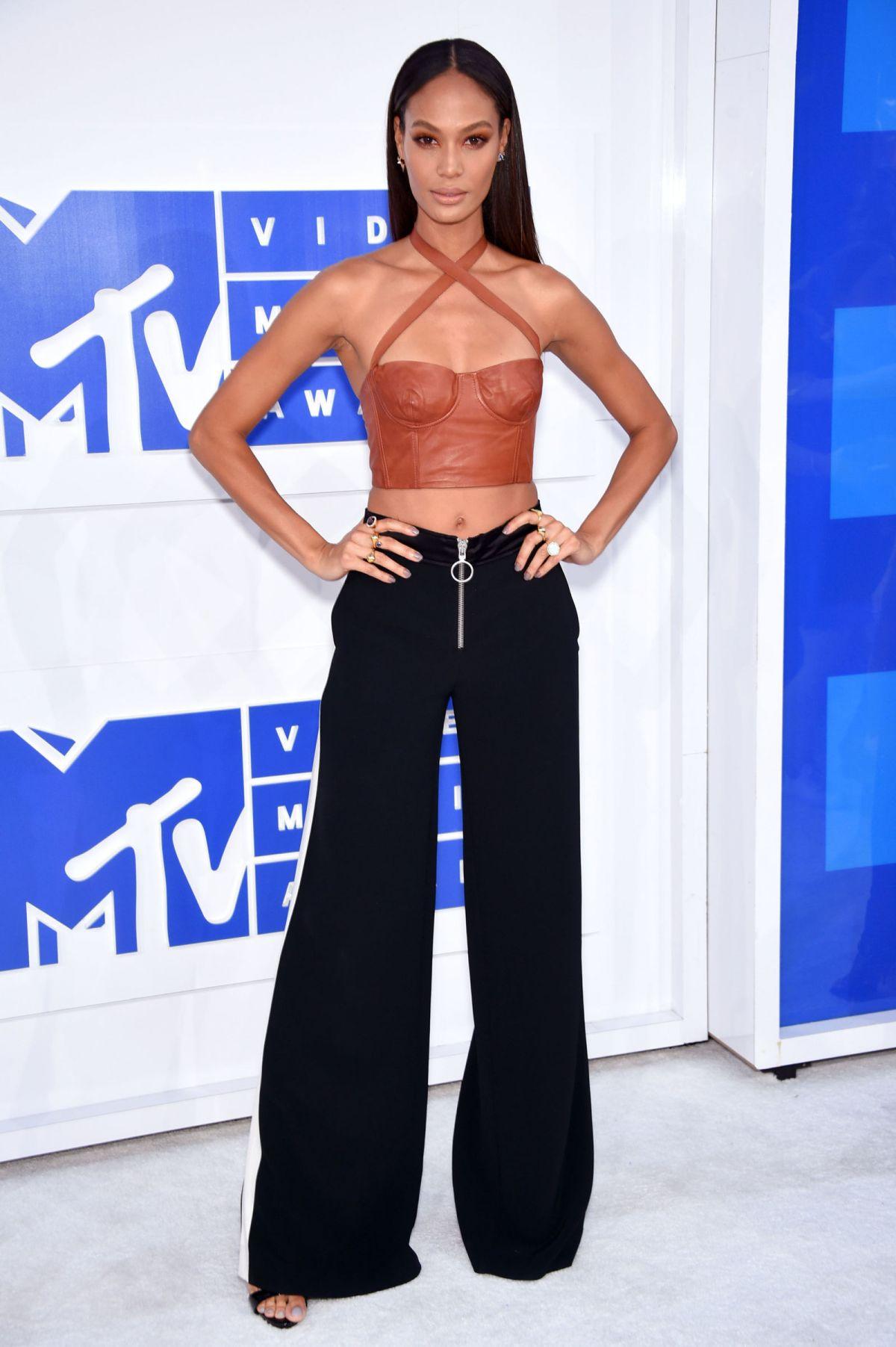 JOAN SMALLS at 2016 MTV Video Music Awards in New York 08/28/2016