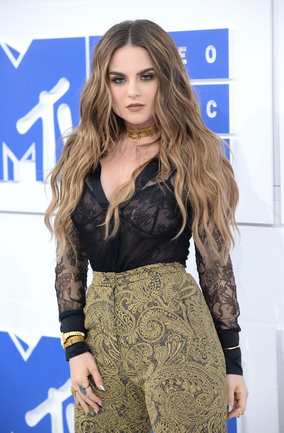 Joanna Jojo Levesque Mtv Video Music Awards York Demi Lovato Gomez