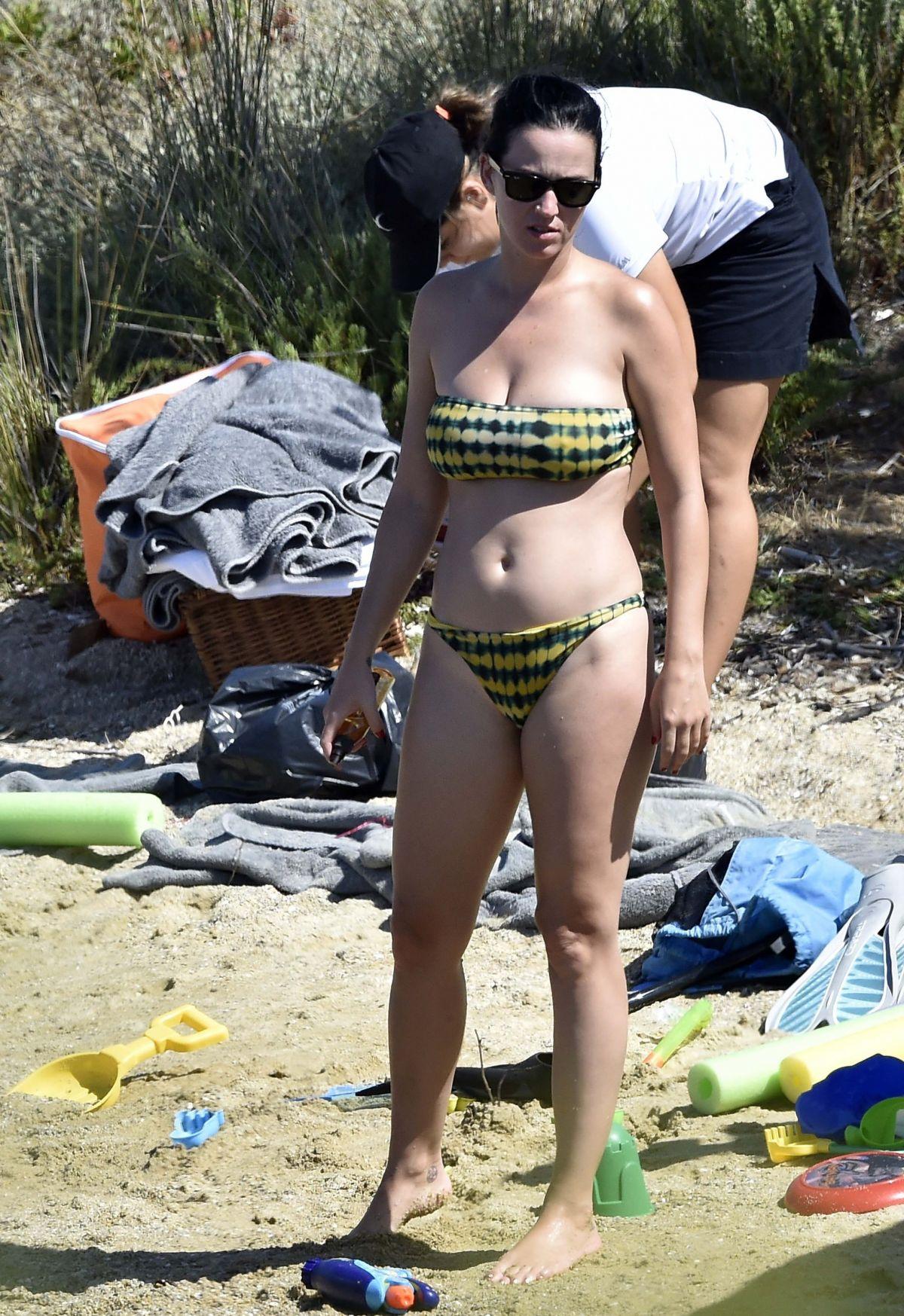 katy-perry-naked-legs-girl-with-dreadlocks