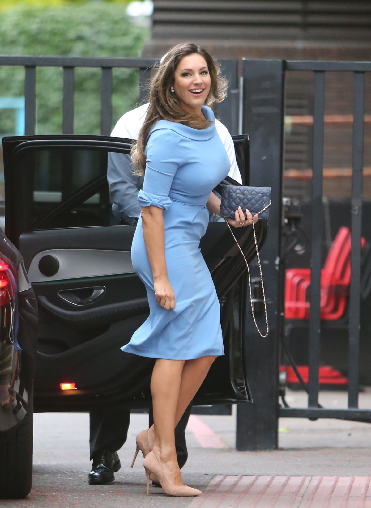 9d0f41ed43 KELLY BROOK Arrives at ITV Studios in London 08 11 2016