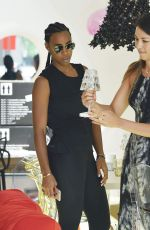 KELLY ROWLAND Shopping at Kartell Furniture Store in West Hollywood 08/09/2016