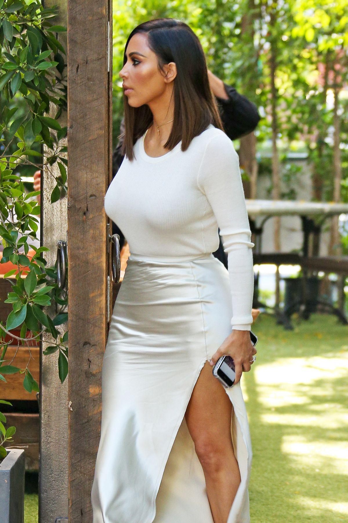 KIM KARDASHIAN at Vill... Kim Kardashian