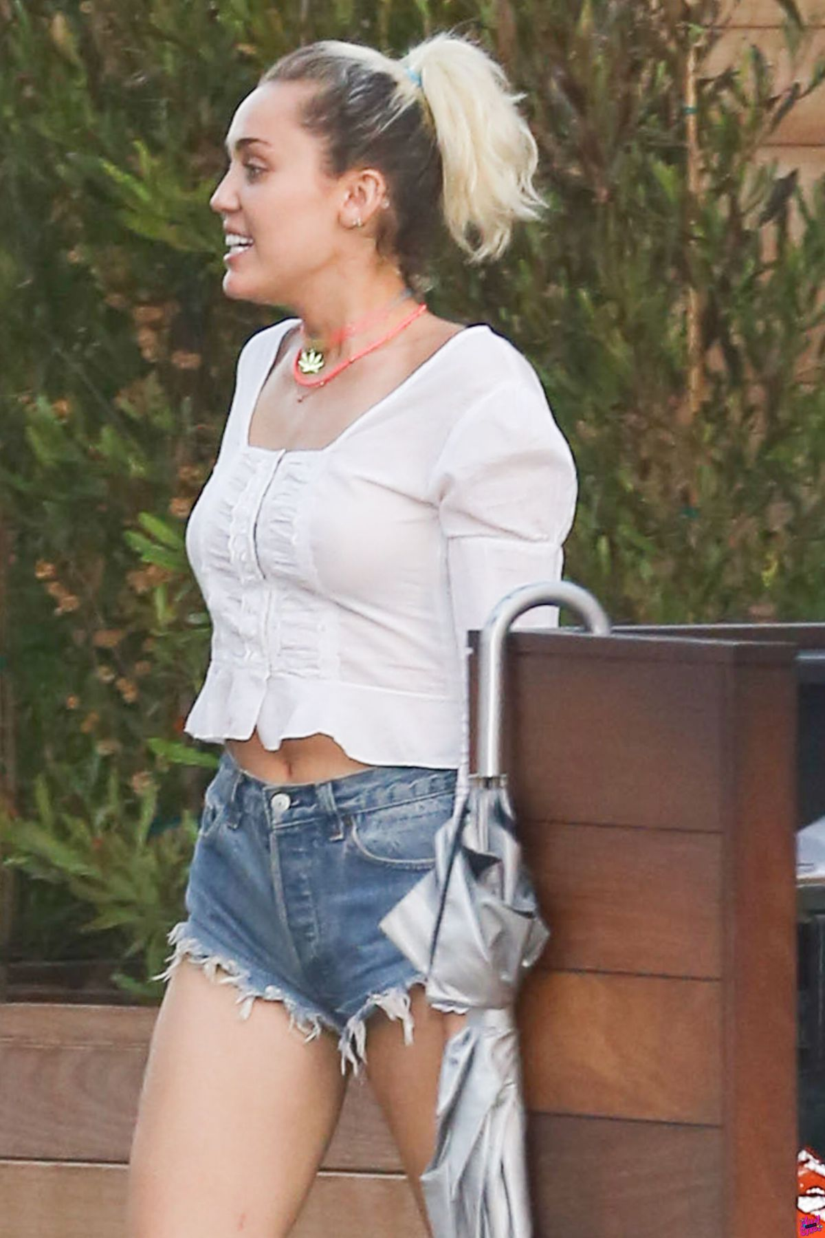 MILEY CYRUS Out and About in Soho 08/28/2016