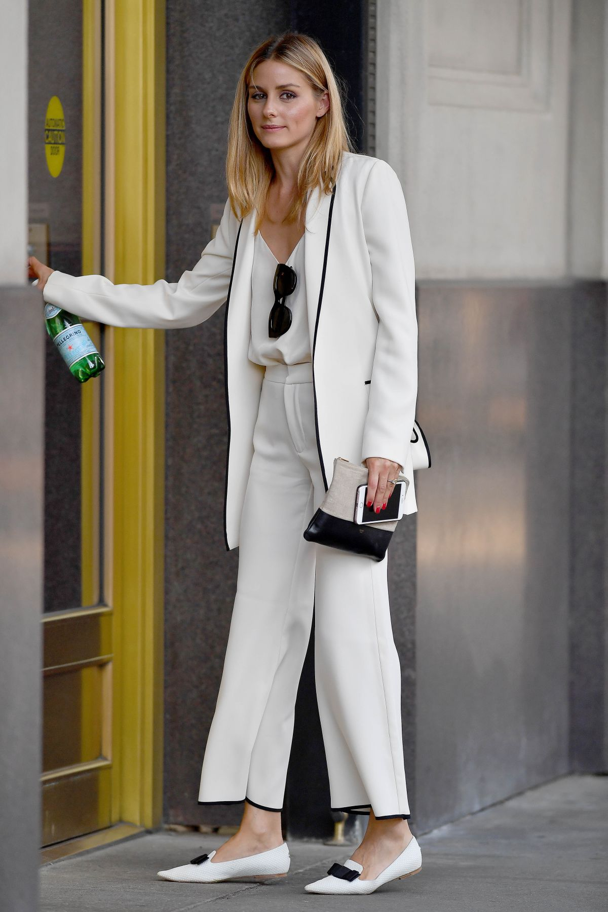 Olivia palermo arrives at a office in new york 08 15 2016 - Bureau style new york ...