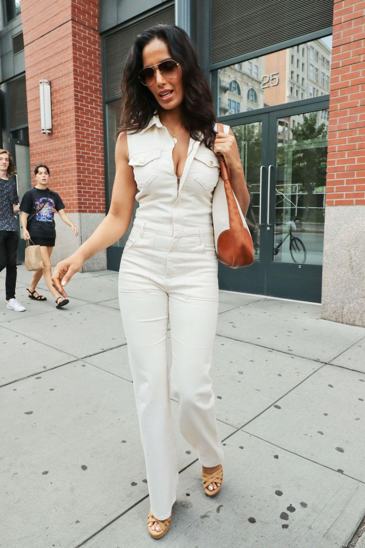 Superior PADMA LAKSHMI Leaves Her Apartment In New York 08/26/2016