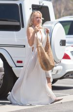 PAMELA ANDERSON Out and About in Malibu 08/22/2016