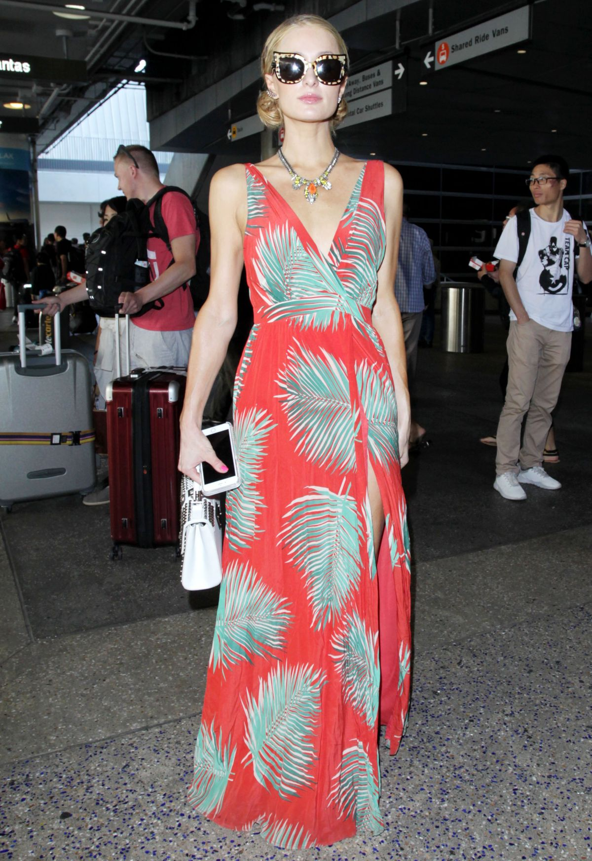 PARIS HILTON at Los Angeles International Airport 08/28/2016