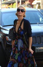 PARIS HILTON Out and About in Beverly Hills 08/29/2016