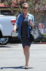 Pregnant KATHERINE HEIGL Out in Los Angeles 08/15/2016