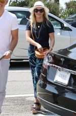 REESE WITHERSPOON at Ivy Restaurant in Santa Monica 08/27/2016