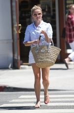 REESE WITHERSPOON at a Nail Salon in Brentwood 08/16/2016