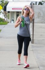 REESE WITHERSPOON Leaves a Gym in Los Angeles 08/04/2016