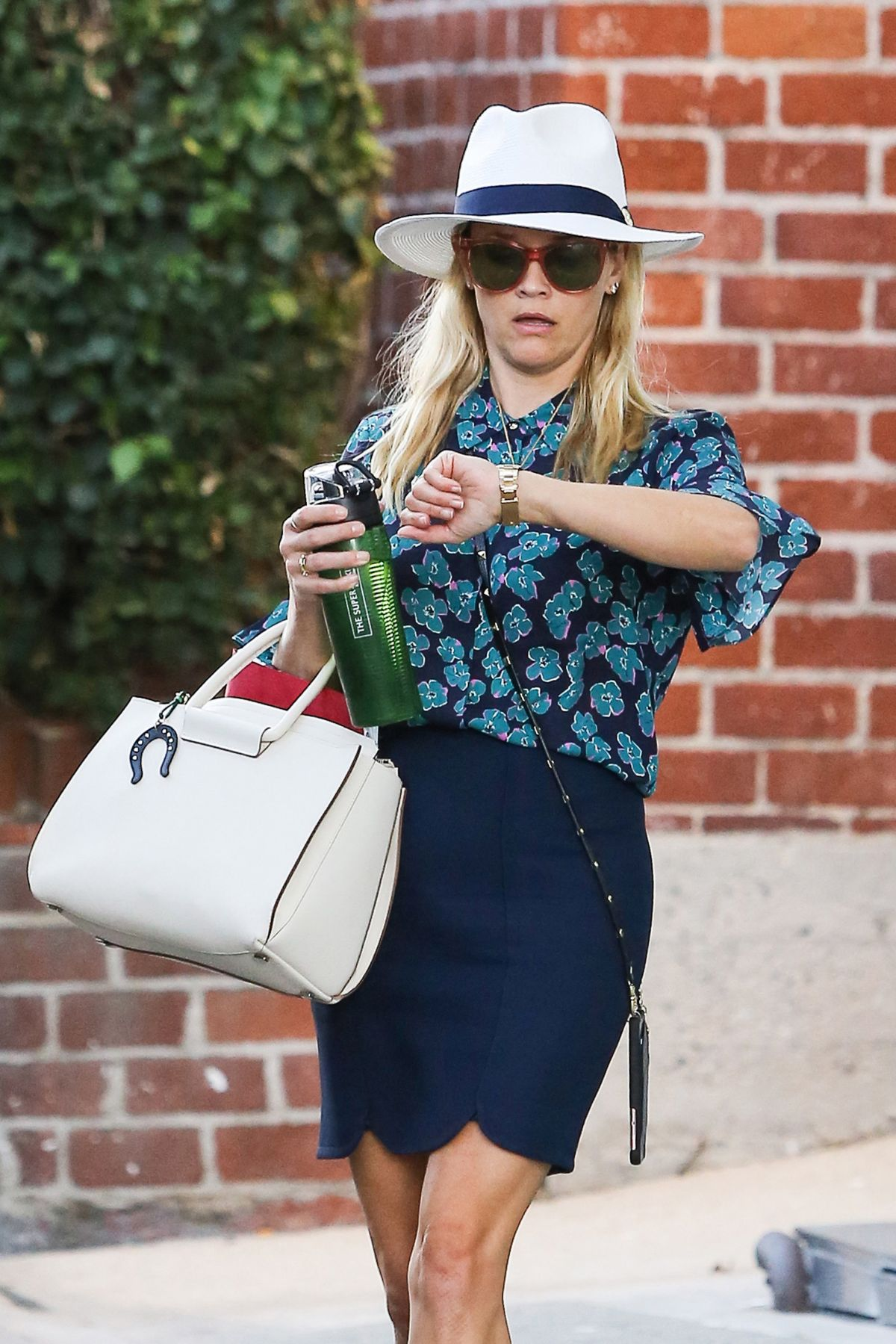 REESE WITHERSPOON Leaves Her Office in Beverly Hills 08/15/2016