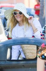 REESE WITHERSPOON Out and About in Brentwood 08/21/2016