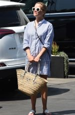 REESE WITHERSPOON Out in West Hollywood 08/03/2016