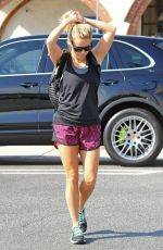 REESE WITHERSPOON Out Jogging in Los Angeles 08/21/2016