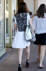 SARAH MICHELLE GELLAR Out Shopping in Brentwood 08/11/2016
