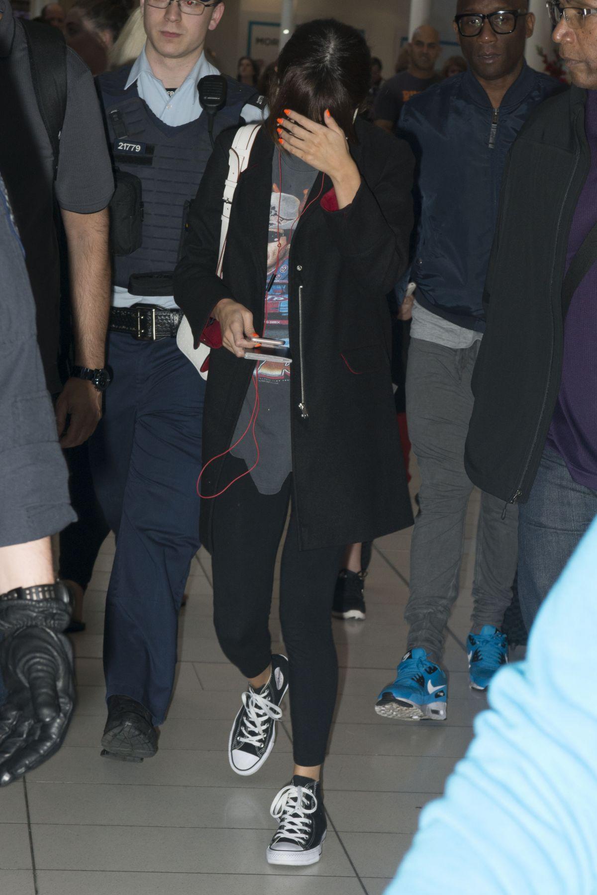 Selena Gomez At Airport In Sydney 08102016 Hawtcelebs
