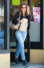SOFIA VERGARA Leaves a Post Office in Beverly Hills 08/30/2016