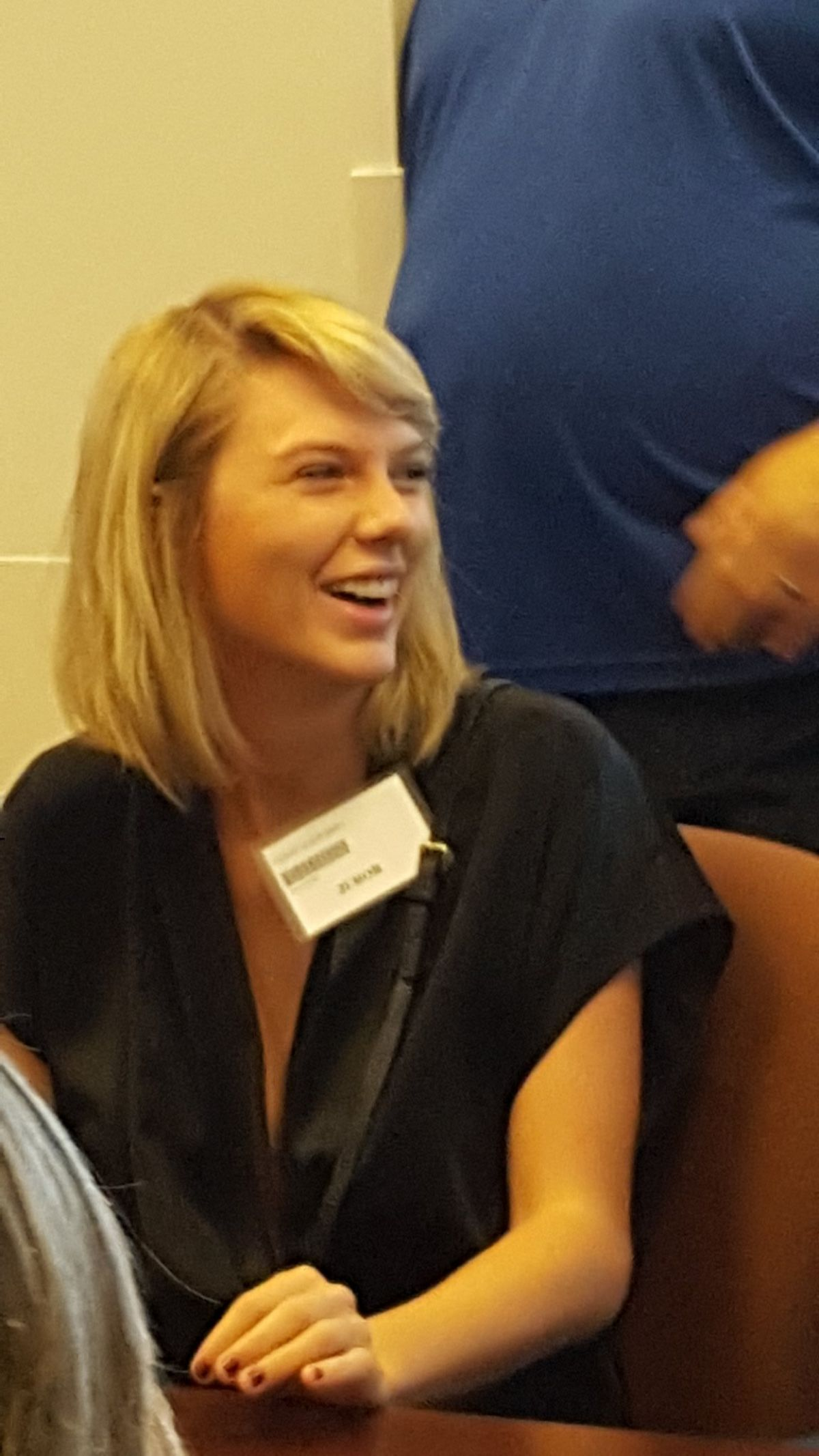 TAYLOR SWIFT at Jury Duty in Nashville 08/29/2016